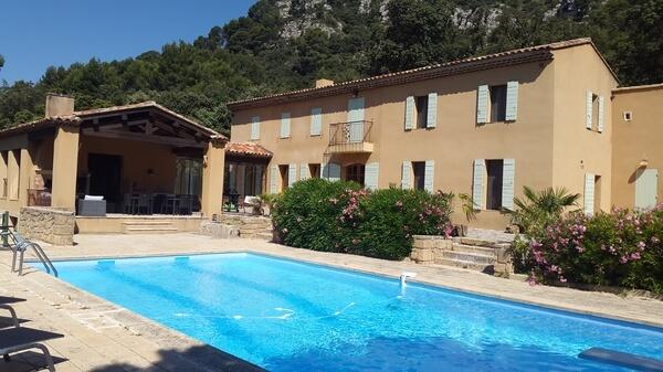Vue Bastide et Pool House Sud