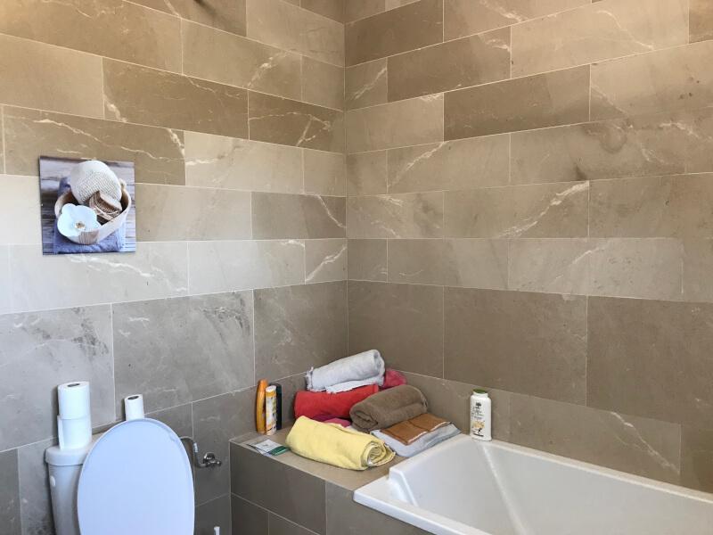 Salle de bain Cabrières - Photo 1