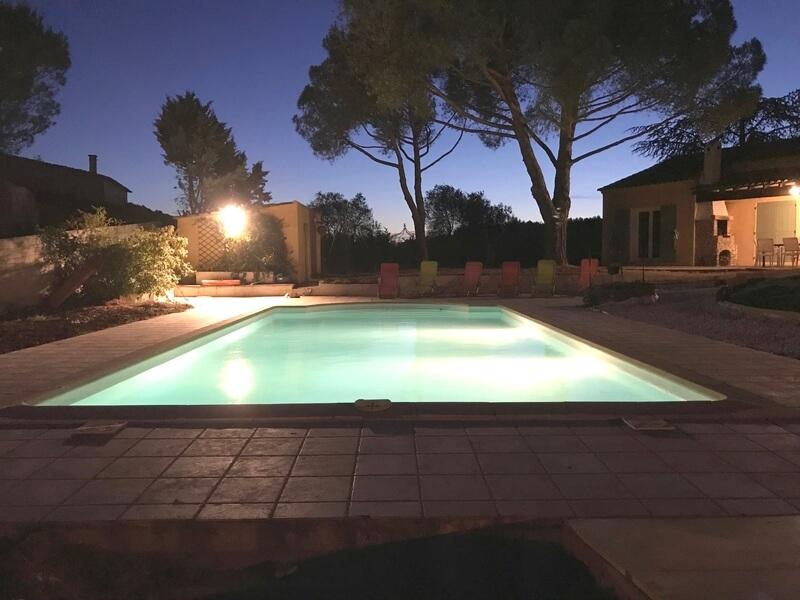 Pure Detox - Cabrières - Piscine vue Ouest en fin de soirée